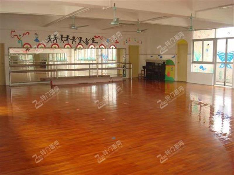 N汉阳四新大型幼儿园对面培训机构出租