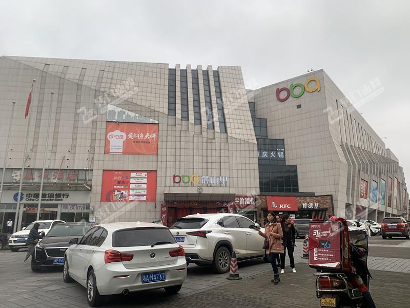大学城消费集中区域478㎡火锅餐饮旺铺转让